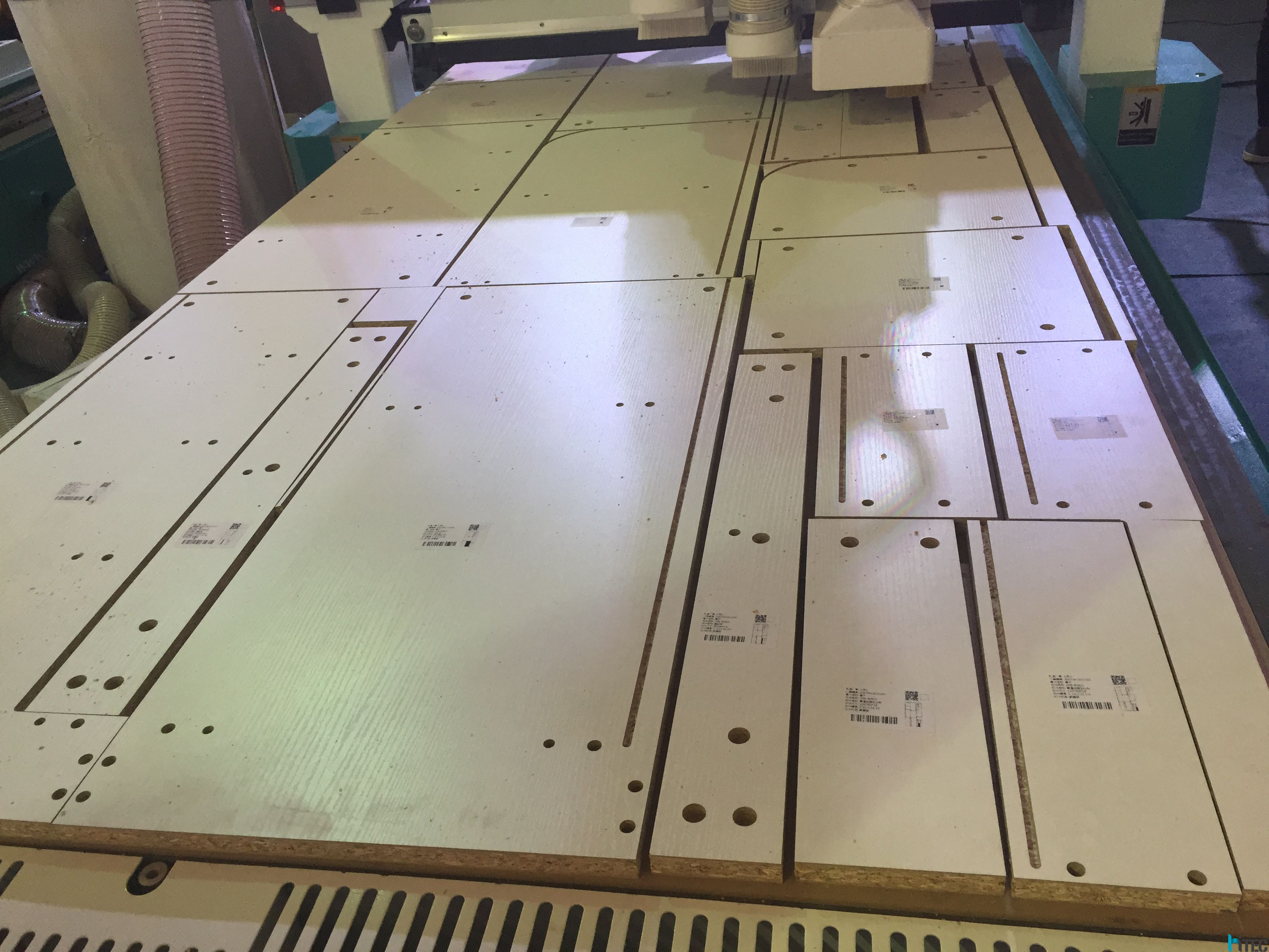 ... making the kitchen doors. Than enter the design to control systermuse our cnc wood machine cutting and engraving the mdf materials & wood cnc machine for cabinet door making - Hitec hot news - HITEC