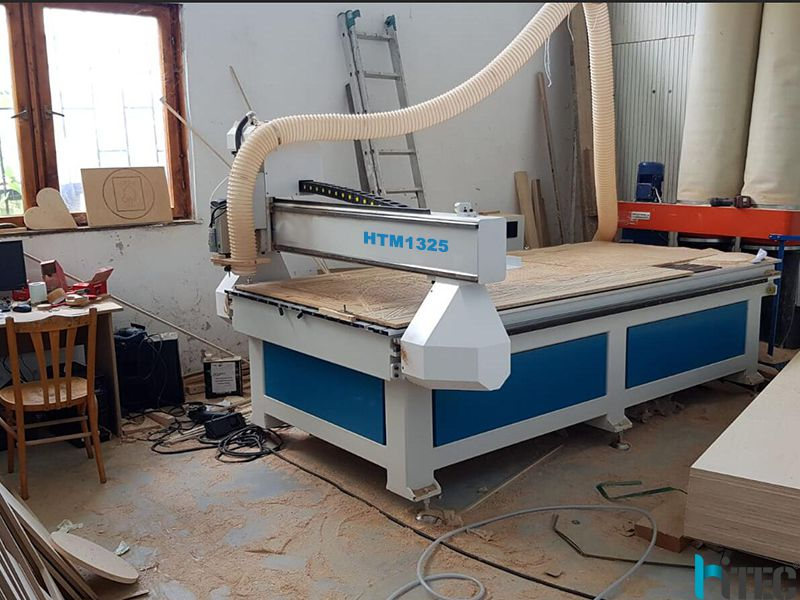 customer woodworking cnc router