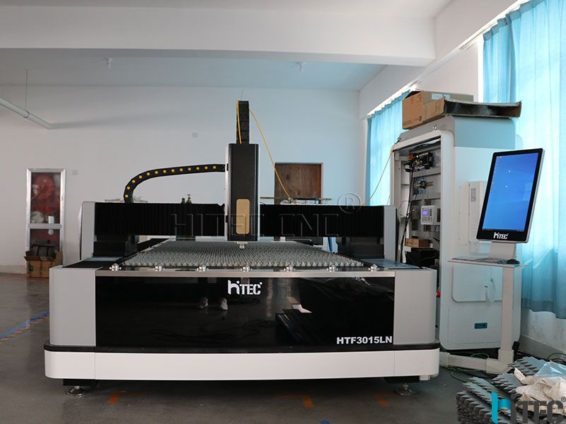 Cnc sheet metal cutter with 3kw IPG laser source